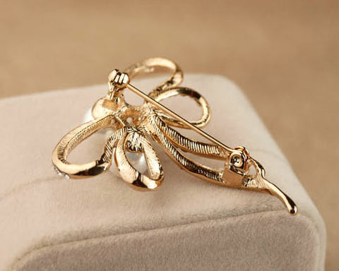 Pearl Ribbon Crystal Brooch Pin
