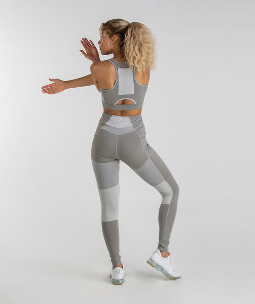 Gymshark Tonal Block Sports Bra - Light Grey 3