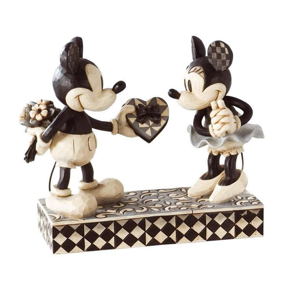 Disney Traditions by Jim Shore Real Sweetheart - Mickey & Minnie Figurine - UK & Eire Website Exclusive