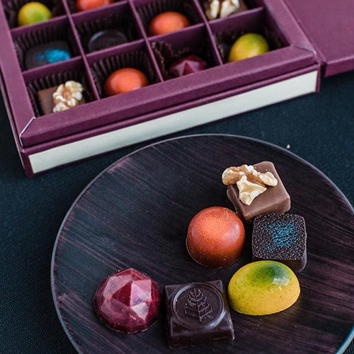 Four Seasons Chocolate Box (16pcs)