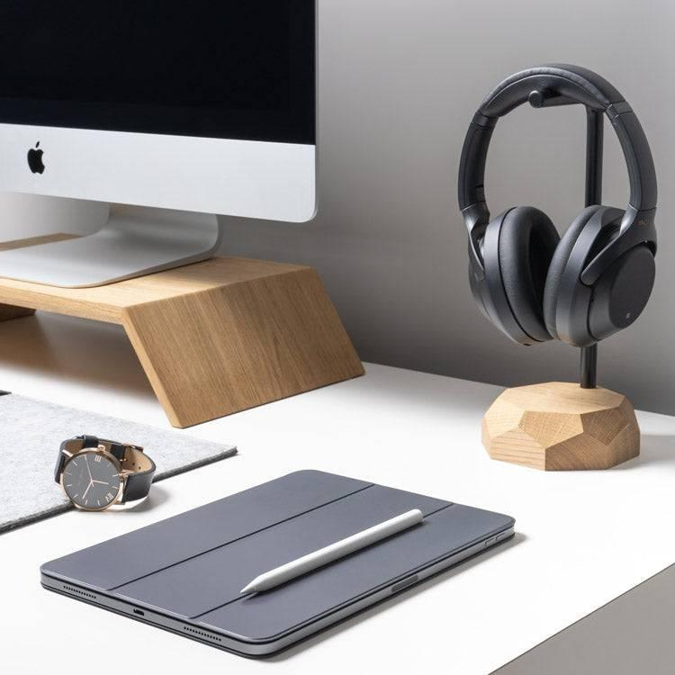 Oak wood headphones audio stand
