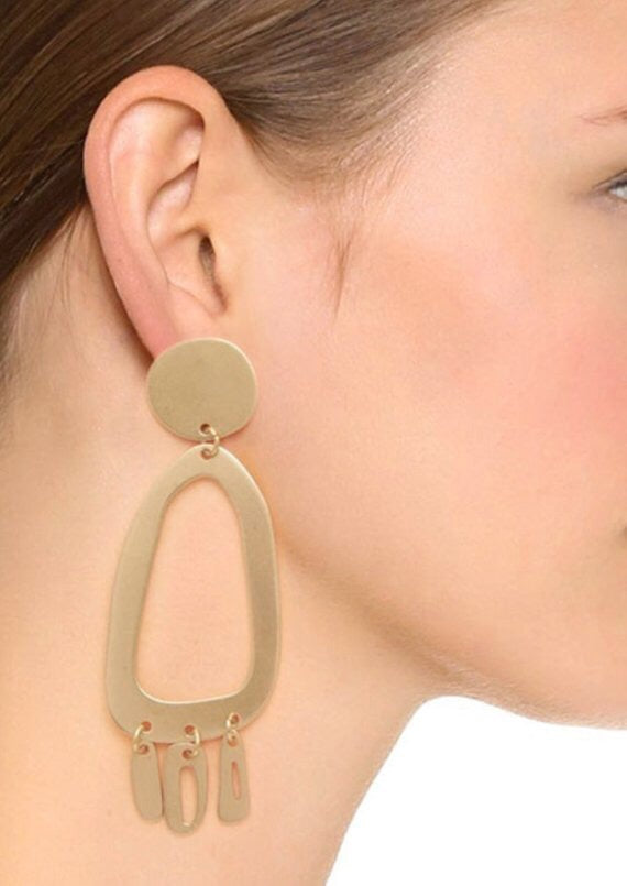 BRUSHED GOLD LOOK DANGLE