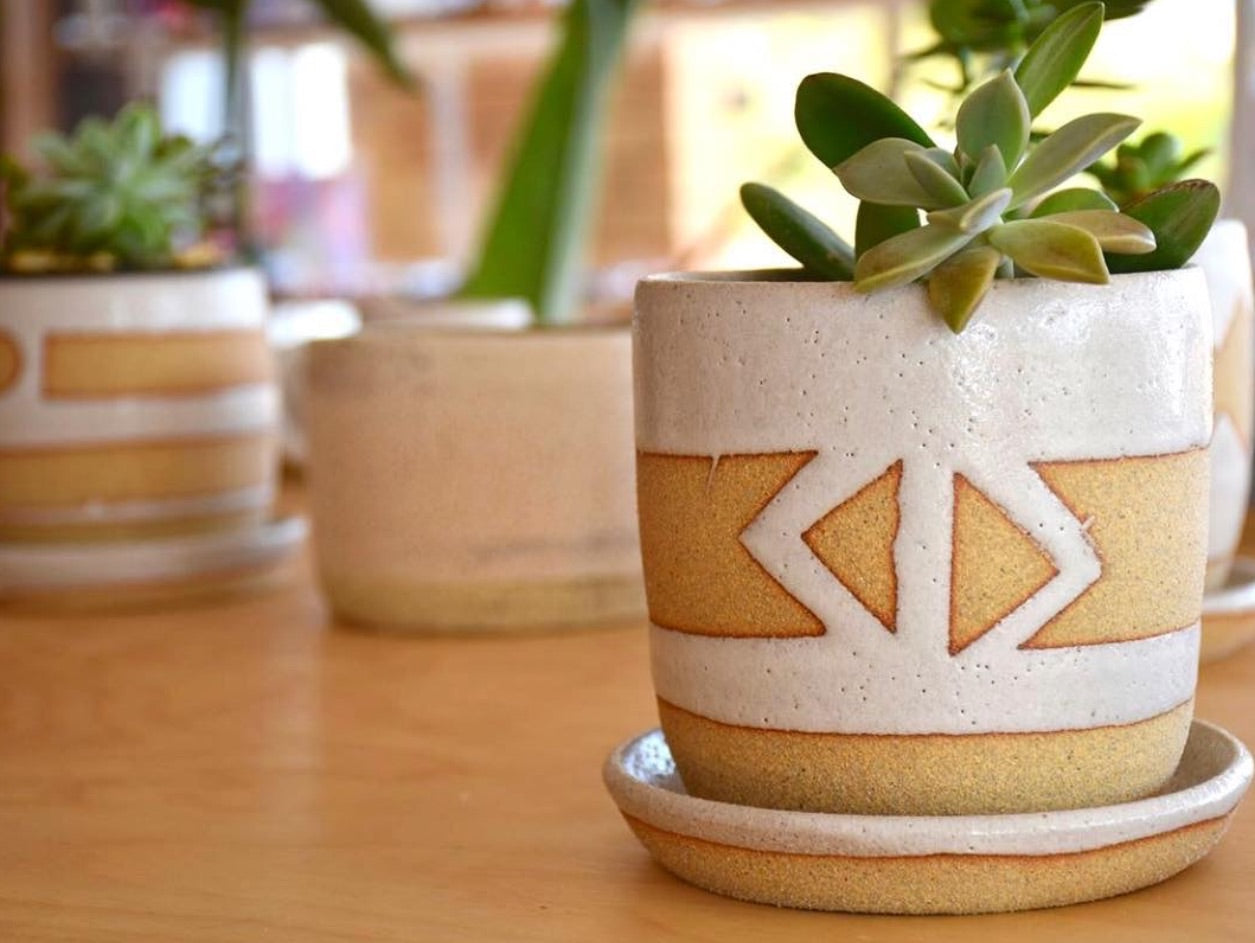 AZTEC POT PLANT HOLDER