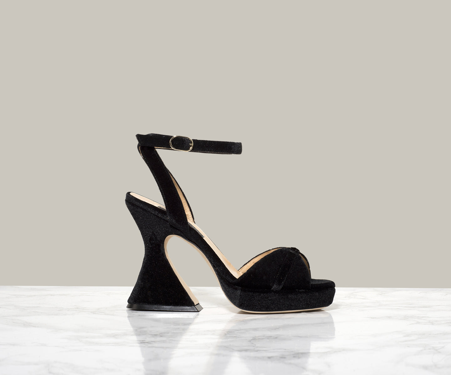 KELS RETRO SANDALS, Black Suede