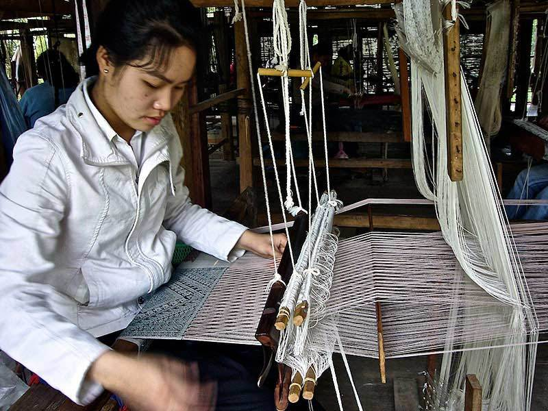 What is a Pha Tung? Wallhangings From Laos