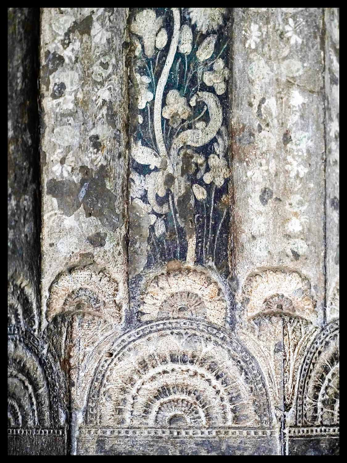 Painted Column, cave 10, Ajanta