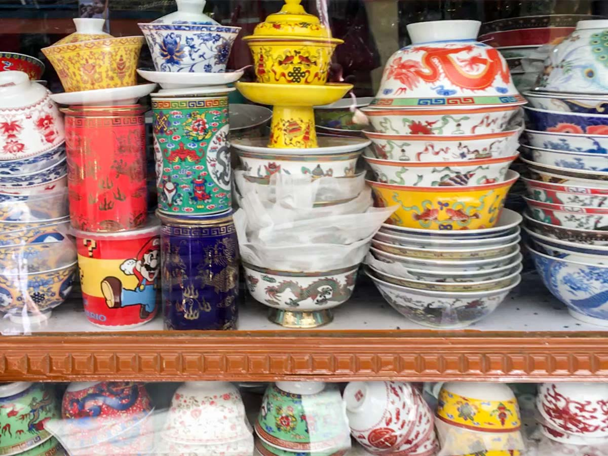 Chinese bowls in the Leh market