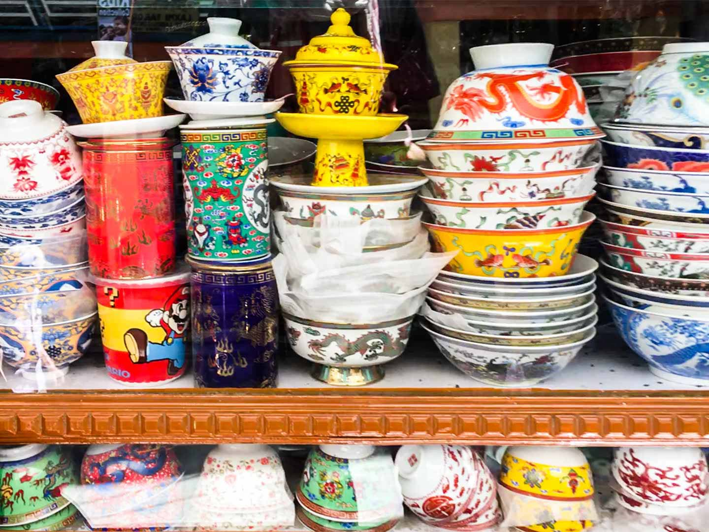 Chinese bowls in a Leh shop window