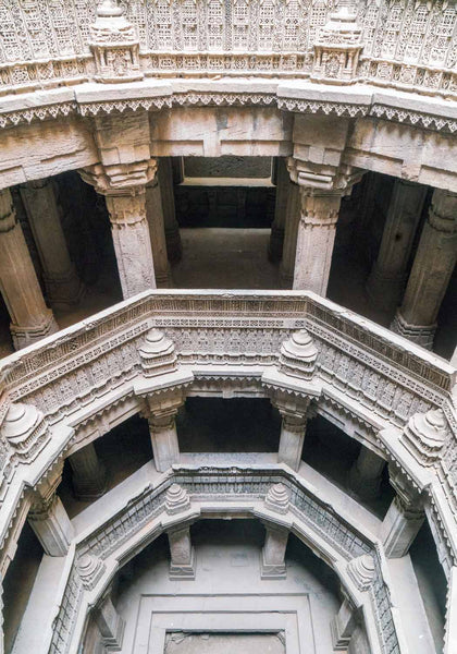 Balconies at the Dada Hari Vav