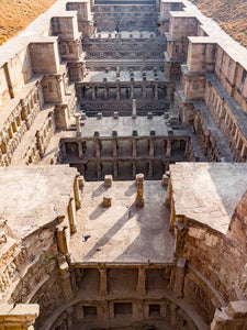 Rani ki Vav Stepwell, view from the well shaft