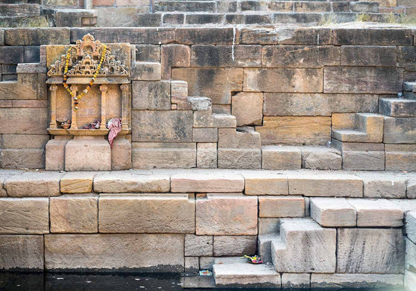 Shrine at Gangvo Kund, Dedadara, Gujarat | Stepwell Photos