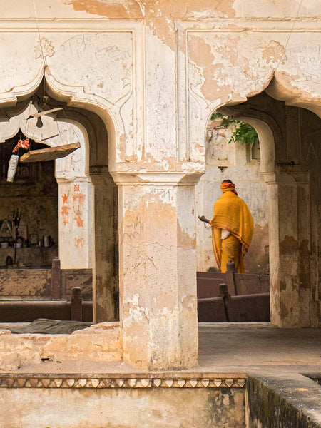 Yellow Robe at Orchha Stepwell