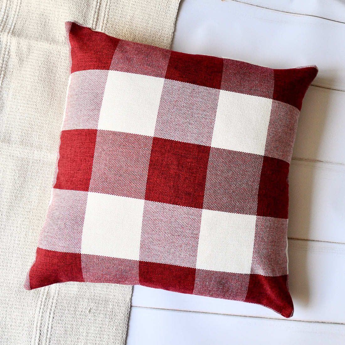 PANDICORN Farmhouse Decorative Throw Pillow Covers Set of 2, Black and White Plaid Textured Throw Pillows Cases, Red and White Buffalo Check Pillowcases Cushion for Couch Bed, 18 x 18 Inch