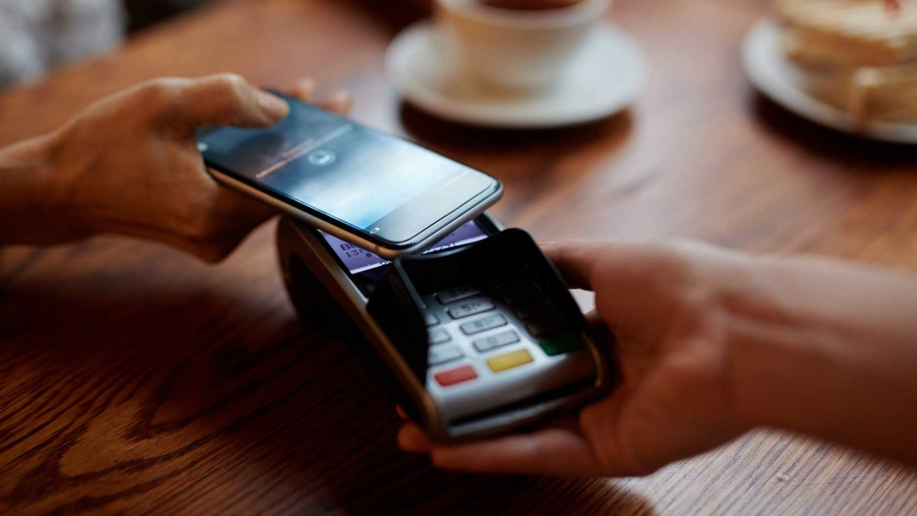 Payment Revolution: How Apple and Android Are Changing How We Pay for Products Today