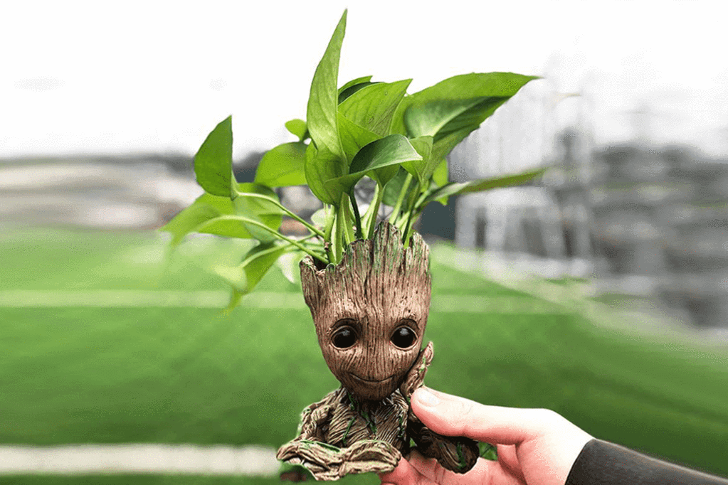 Guardians of the Galaxy Baby Groot Flowerpot also can be the desktop decoration