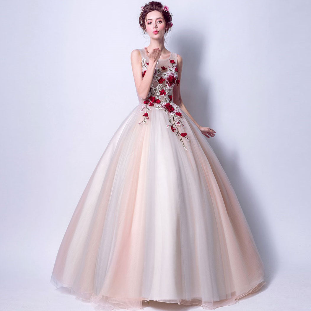 Oriental Style Wedding Dress with Ball Gown Skirt Floral Embroidery ...