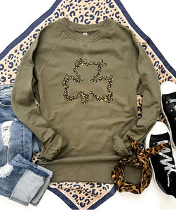 Leopard clover french terry raglan Short sleeve St patty day tee Bella canvas 3001 Kelly Green/white