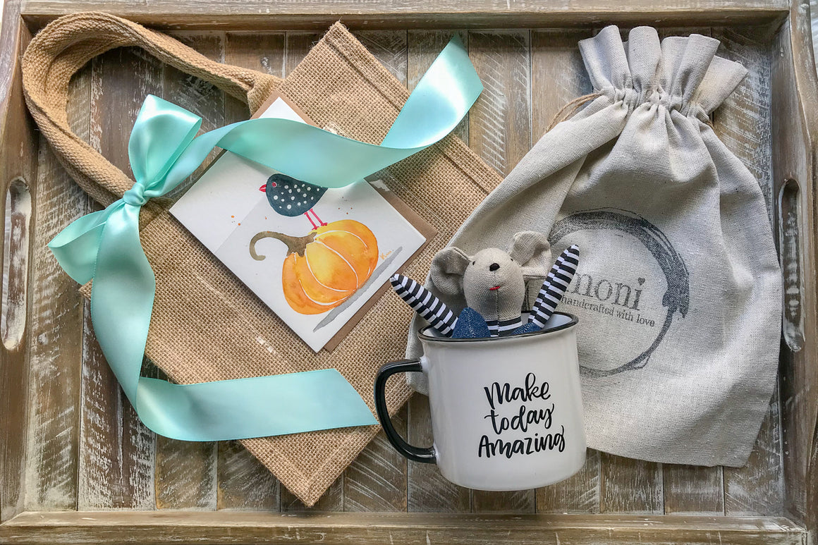 Black & White Mouse in Jeans in Mug w/Thanksgiving Card