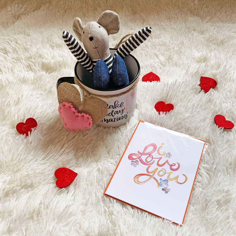 Valentine's Day Mug w/Mouse in Jeans