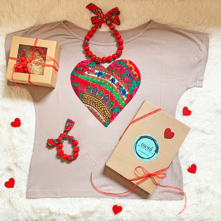 Valentine's Day Folk Blouse w/Heart & Jewelry Set (Beige)