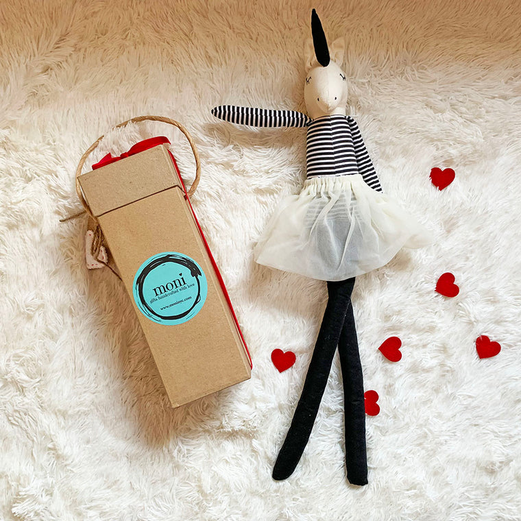 Valentine's Day Unicorn Black & White Decor