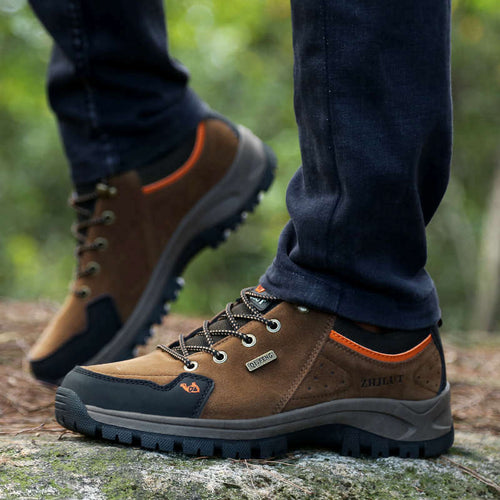Outdoor Classic Hiking/walking Shoes for middle-age men