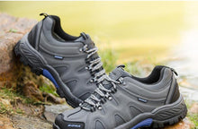 Load image into Gallery viewer, Classic Style Hiking Shoe