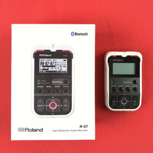 [USED] Roland R-07-WH High-Resolution Audio Recorder, White