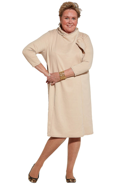 Robe contemporaine - Beige | Méli | Vêtements Adaptés