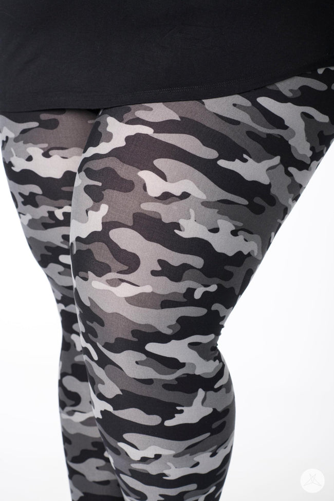 Urban Camo v2 Plus leggings - SweetLegs