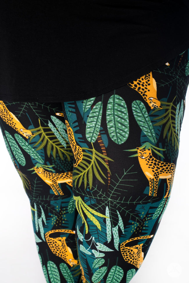 Leopard King Plus leggings - SweetLegs