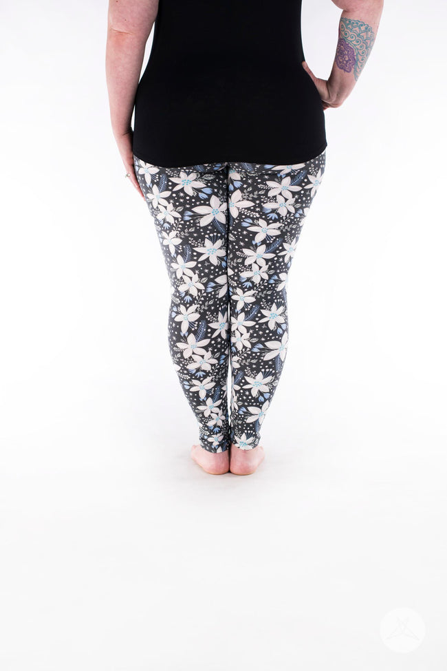 Polar Lily Plus leggings - SweetLegs