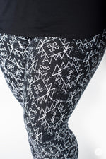 Jagged Love Plus leggings - SweetLegs