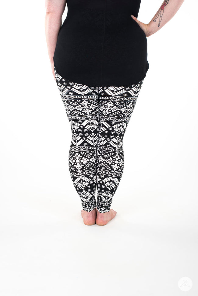 Whiteout Plus leggings - SweetLegs