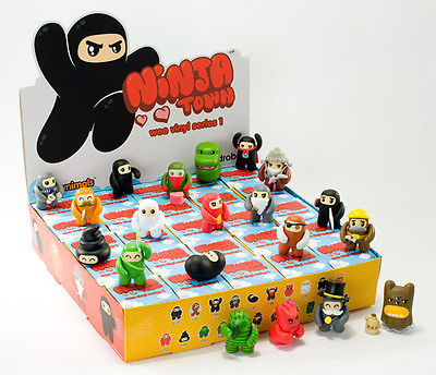 "OPEN BOX Kidrobot Shawnimals Ninjatown : 2"" Forest Ninja CHASE mini figure 1/50 (complete with all original packaging) - moosedinky"