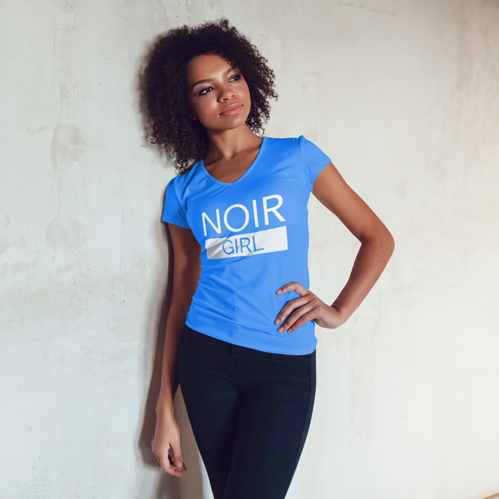 Noir Girl V Neck Tee Model