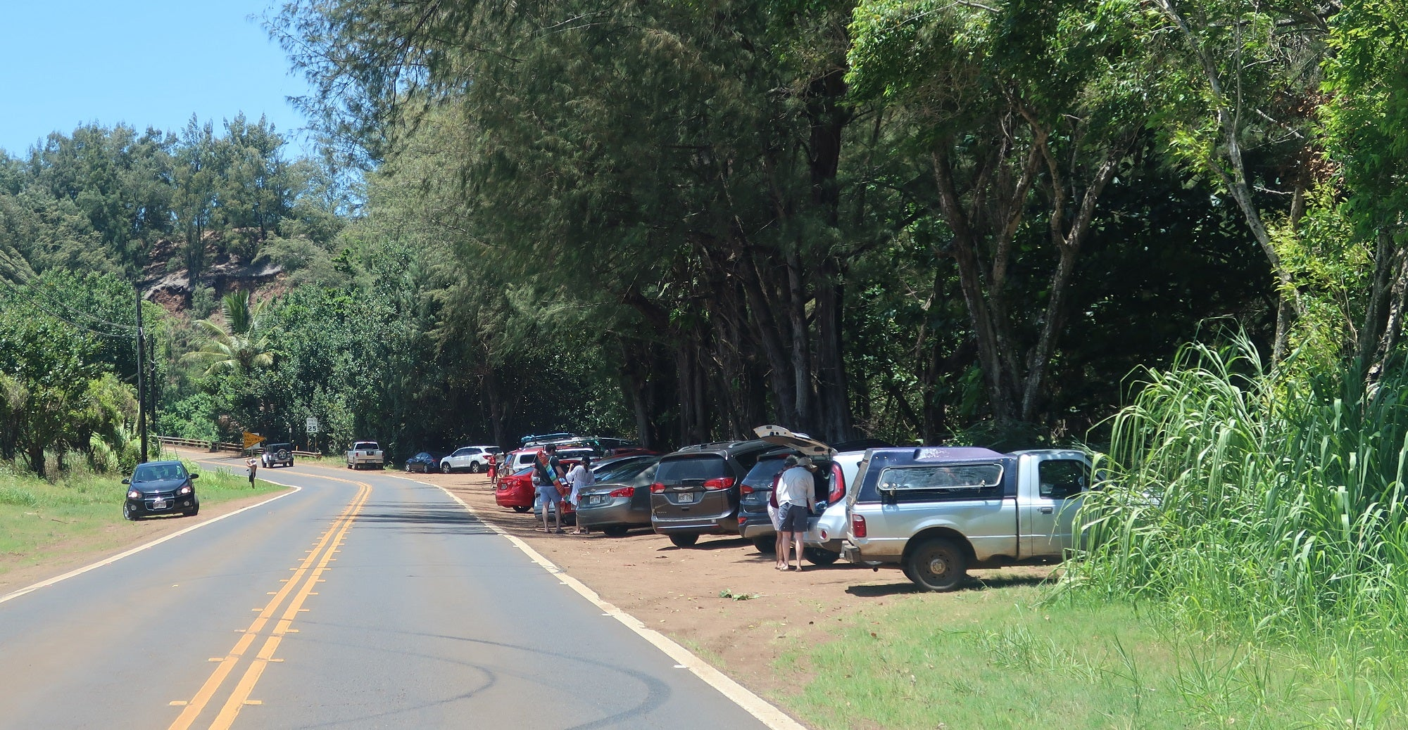 Lumahai Beach Parking