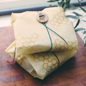 Beeswax sandwich wraps are the alternative to plastic zip lock bags