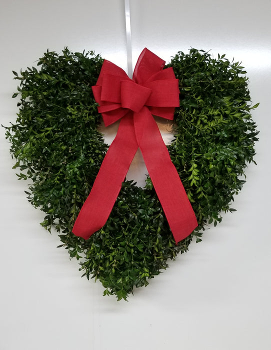 "20-22"" Heart Shaped Fresh Boxwood Wreath"
