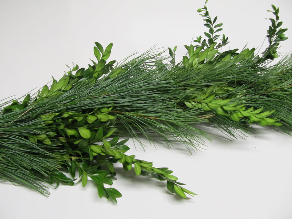 White Pine and Boxwood Garland