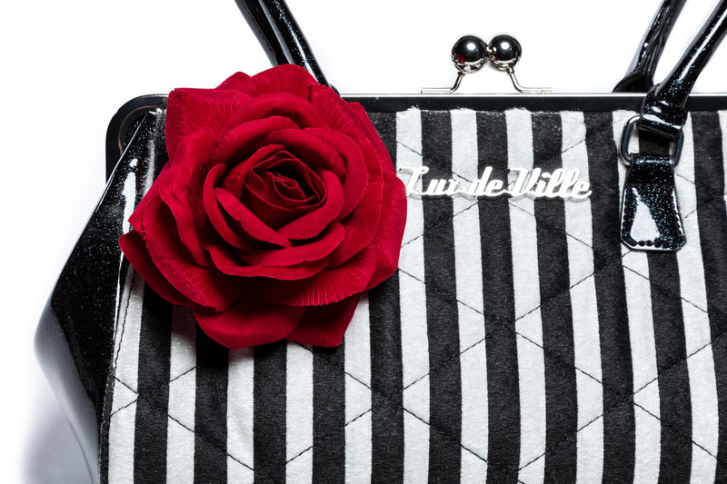 Black Matte & Striped Valentine Kisslock