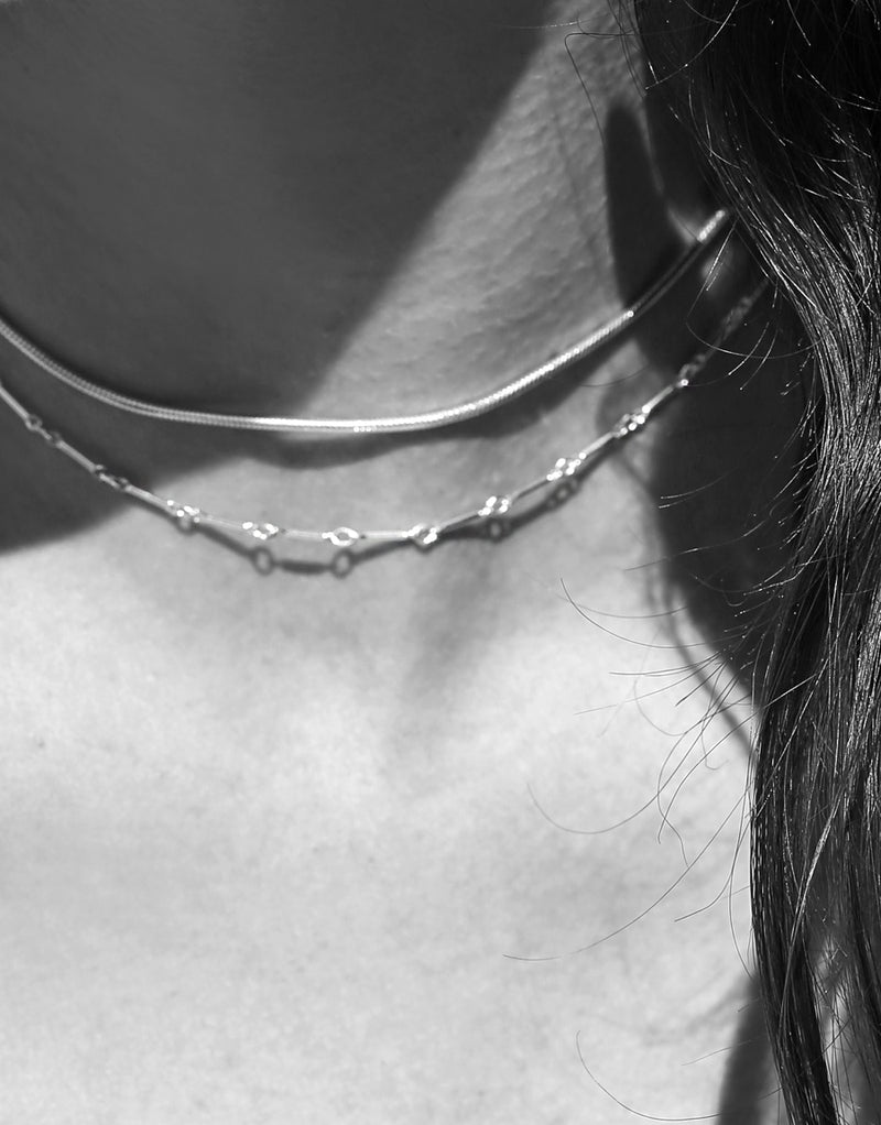 Linked Bar Choker Necklace