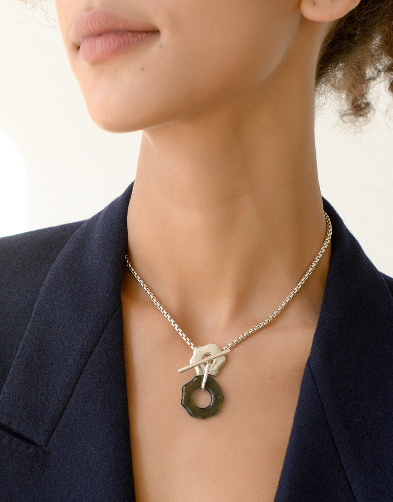 Avens Toggle Necklace