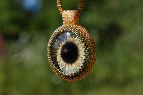 green eye beadwoven pendant necklace