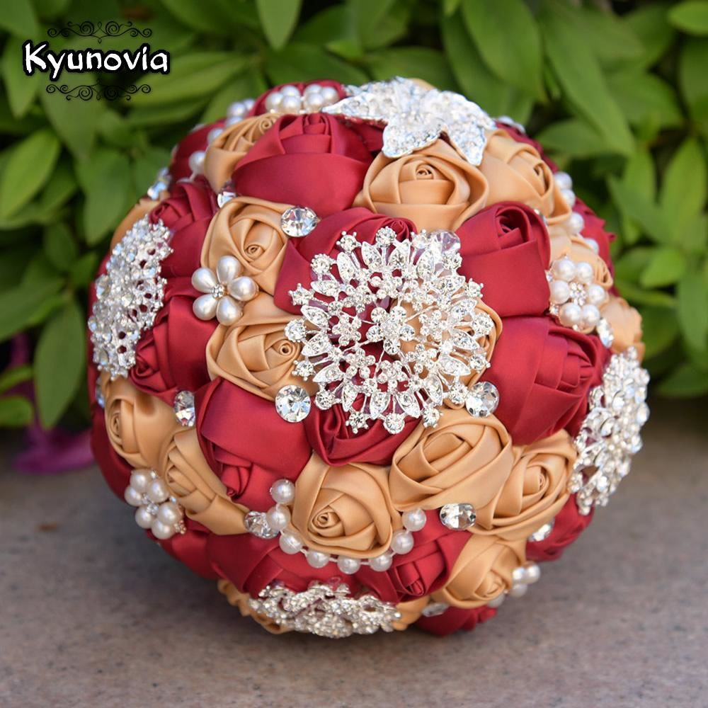 Brooch bouquet with pearl flowers izmirmasajfo