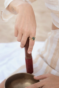Hand Ring with Malachite Stone