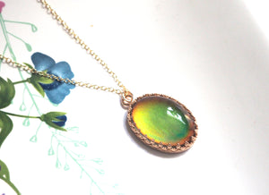 Crown Mood Necklace in 14kt Gold with Color Changing Stone