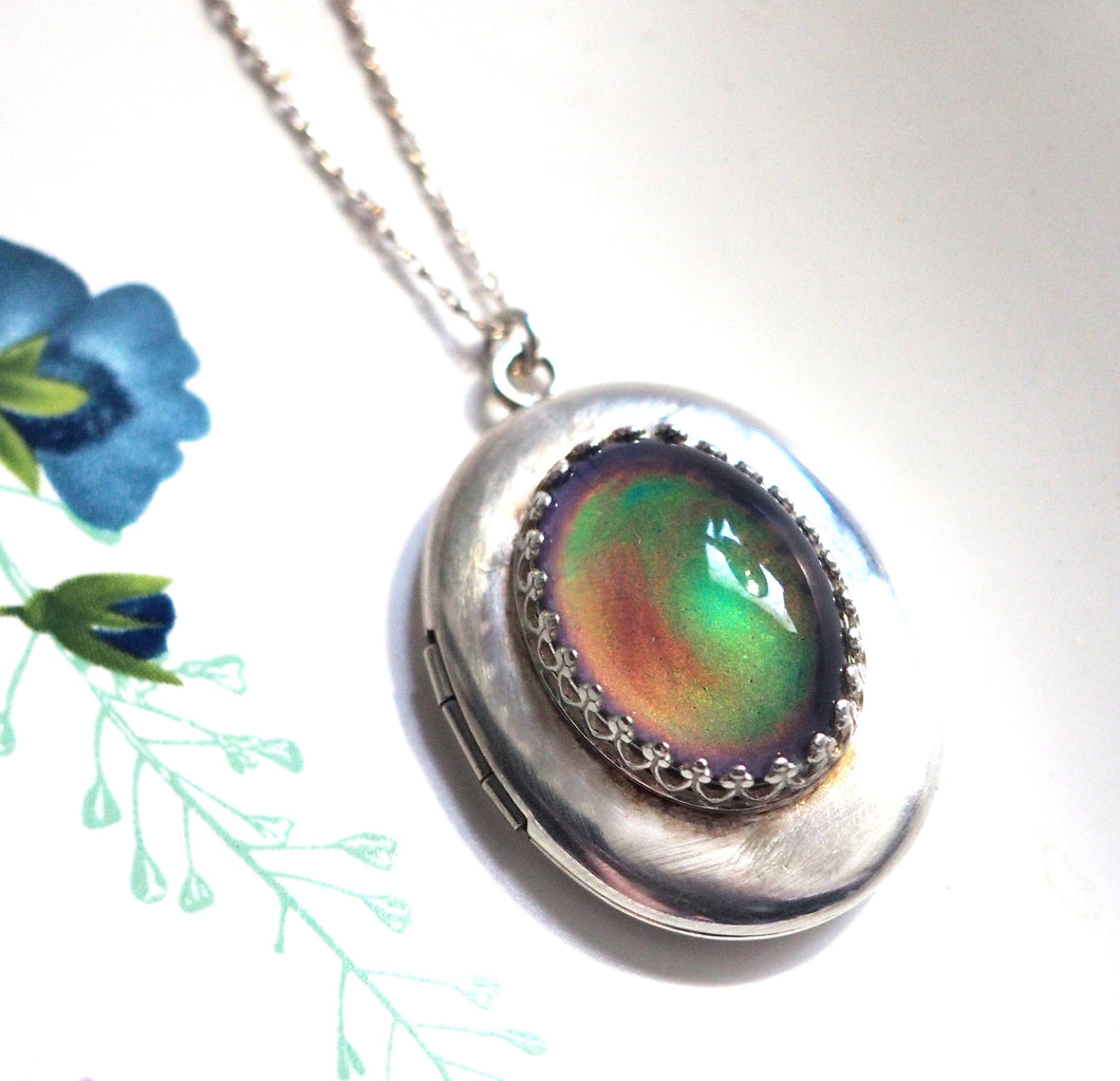 Large Mood Locket Necklace in Sterling Silver