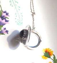 Large Mood Locket Necklace in Sterling Silver, Round