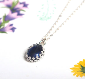Small Crown Oval Mood Necklace in Sterling Silver